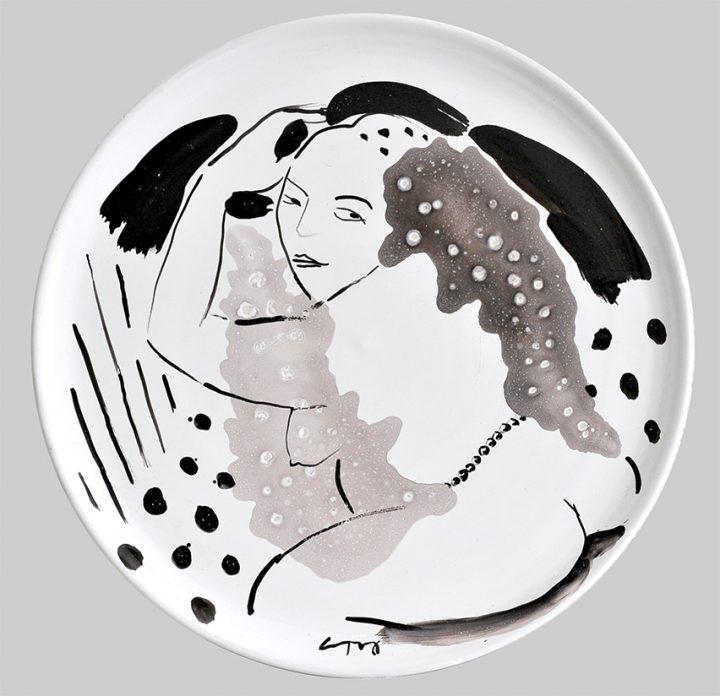 Bemalter Keramikteller der Künstlerin Gudrun Trendafilov.